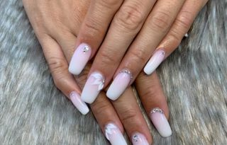 Full Set Acrylic Transparent Nails $70
